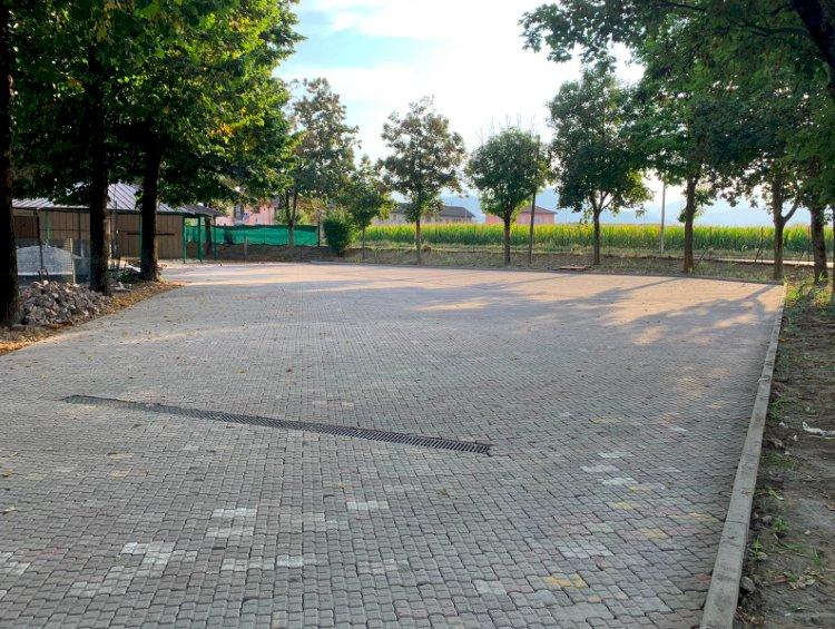 Nuova pavimentazione per l'area attrezzata degli Amici di Confreria