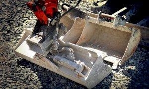 Blocchi di cemento per fermare il cantiere della ditta rivale: condannato un 74enne di Limone Piemonte
