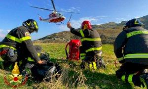 Crissolo, intervento dei vigili del fuoco a Prato Fiorito per soccorrere una mucca