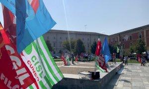 Cgil, Cisl e Uil in piazza Ex Foro Boario chiedono di 'Ripartire dal lavoro'