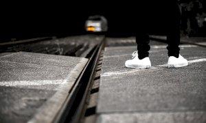 Molestie ai passeggeri del Ventimiglia-Torino e botte al capotreno: nei guai un 22enne