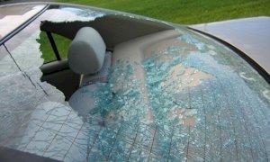 Rincorso e acciuffato dopo un furto in auto: 'Ho fatto una cavolata, non denunciarmi'