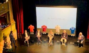 Scatta il conto alla rovescia verso la Alba-Sestriere: la tappa presentata al Teatro Sociale