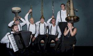 Venerdì 'oriental gran tour' musicale al Lux di Busca