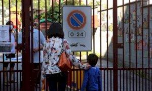 Nuova ordinanza della Regione: in Piemonte mascherina obbligatoria nelle aree vicino alle scuole