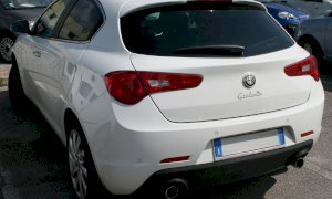 Centallo, accuse di riciclaggio e truffa per la vendita di un'auto rubata