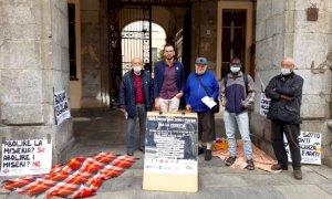 Cuneo, sabato mattina davanti al Municipio una manifestazione contro l'ordinanza antibivacco