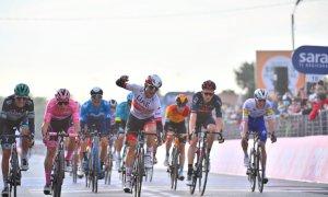 Giro d'Italia, vietato il passaggio in Francia: saltano colle dell'Agnello, Izoard e Monginevro