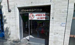 'Il Comune valuti la chiusura notturna dei distributori automatici di cibo e bevande'