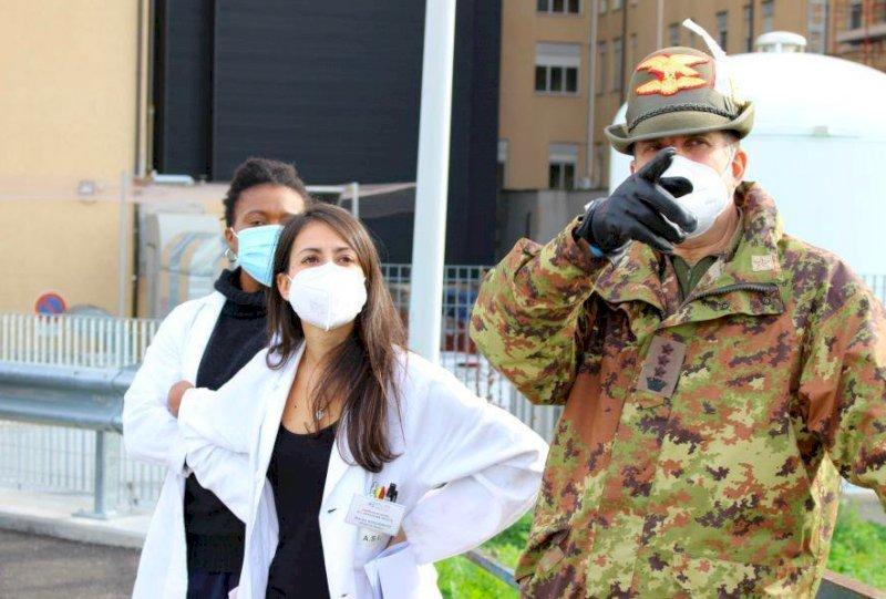 Oggi l'allestimento della tensostruttura dell'esercito all'ospedale di Cuneo