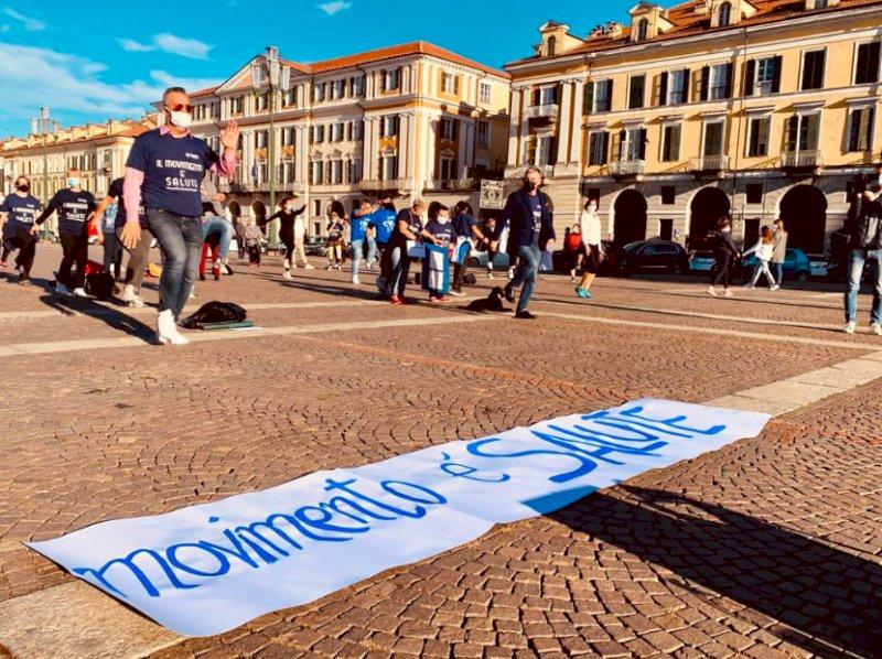 Cuneo, il mondo dello sport scende in piazza: ''Il movimento è salute, ingiusto fermarci''