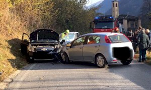 Frontale tra due auto a San Damiano Macra, disagi alla circolazione