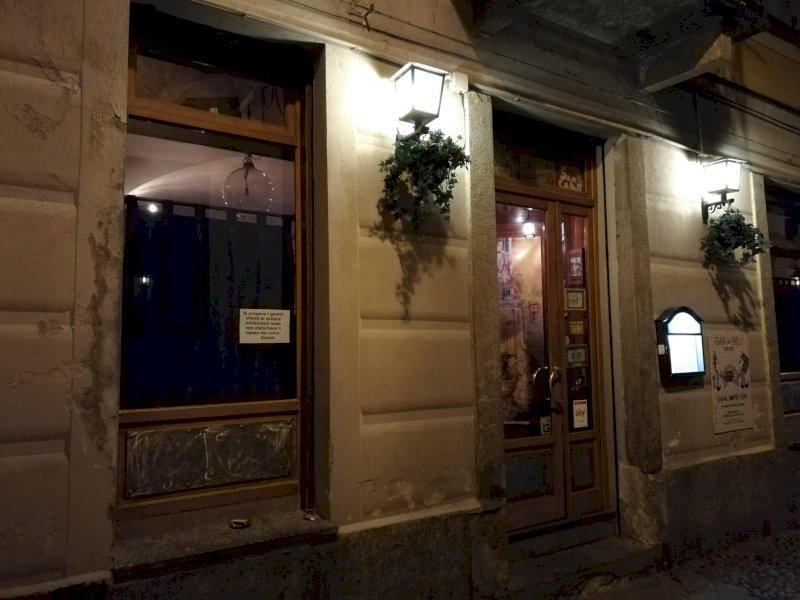 Cuneo, troppo chiasso davanti al Lucertolo's? Il titolare si difende: 'Ho fatto di tutto per evitarlo'