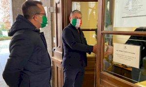 Cuneo, Lauria e Corbeddu donano un albero al Comune: ''Il verde rinfrancherà l'animo degli italiani''