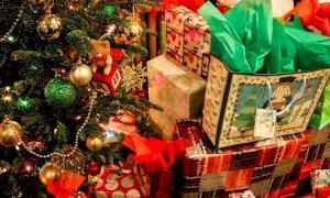 ''Il governo invita ad acquistare regali tecnologici per Natale: una sconfitta per i negozianti''