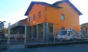 Rifreddo: tinteggiatura esterna, sistemazione del tetto e nuovo ingresso per le scuole elementari