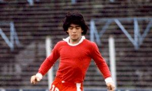 Quando Osvaldo Soriano segnalò a Giovanni Arpino il talento di un giovane Maradona