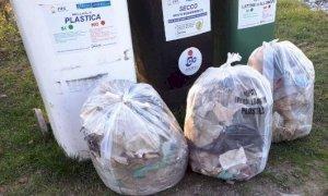 Sportivi e passeggiatori per l'ambiente: lungo le rive del Gesso si raccolgono rifiuti