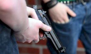 Sparatoria a Fossano, padre e figlio albanesi a processo per tentato omicidio