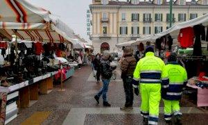Cuneo, al mercato del martedì tornano i banchi non alimentari