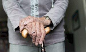 Era imputata di estorsione e maltrattamenti alla nonna: assolta una giovane di Mondovì