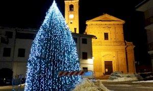 Beinette accende le luminarie di Natale