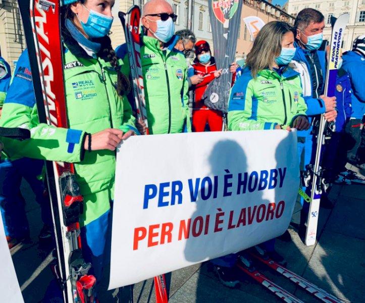 Dalla Regione un contributo di 2 mila euro a ogni maestro di sci del Piemonte