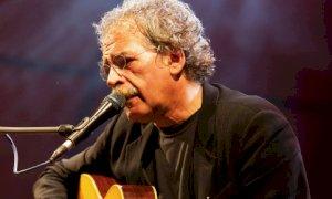 Torino dedica una via a Gianmaria Testa, il cantautore cuneese di casa all'Olympia