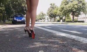 Cuneo, botte e ricatti per obbligare ''l'amica'' a prostituirsi: condannata una donna rumena