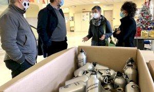Saluzzo, centinaia di borracce in dono alle scuole per evitare l'utilizzo di bottiglie-rifiuto