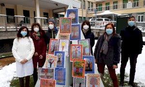 L'albero della resilienza al Santa Croce: emozioni e paure della pandemia nei disegni di 1300 bambini
