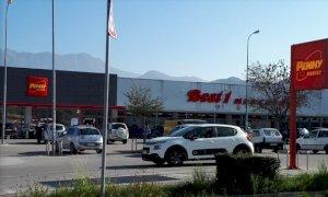 Borgo San Dalmazzo, rubò decine di confezioni di dentifricio da un supermercato: alla sbarra un rumeno