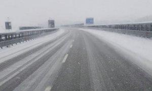 Scatta il 'Piano Neve', divieti per i mezzi pesanti sulla Torino-Savona