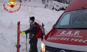 Perde il sentiero durante una gita sulla neve, escursionista tratta in salvo a Vinadio