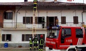 Murello, a fuoco la canna fumaria di un'abitazione