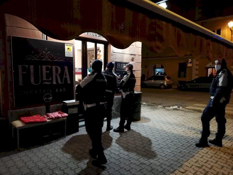 Cuneo, solo un ''avvertimento'' per il locale che ha sfidato il dpcm tenendo aperto