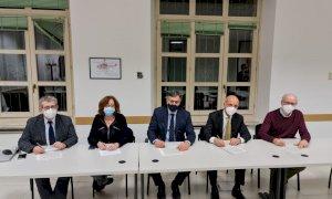 Vaccinazioni Covid: dopo i medici di famiglia, la Regione firma l'accordo con i farmacisti