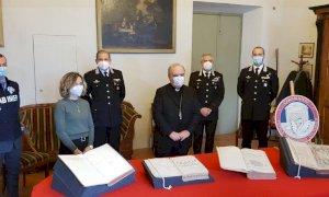 Quattro libri antichi della biblioteca diocesana di Alba erano finiti in vendita sul web