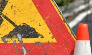 Senso unico per lavori Enel lungo la provinciale 429 nel tratto Alba-Manera verso Benevello
