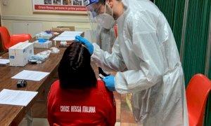 Tamponi e vaccini per i volontari della Croce Rossa di Busca