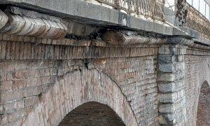 Nuovi distacchi di materiale dal ponte dell'Olla: ieri sul posto l'assessore regionale Gabusi