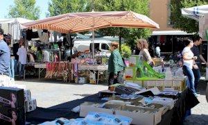 Alba, il mercato del sabato torna in centro storico con i banchi ridimensionati