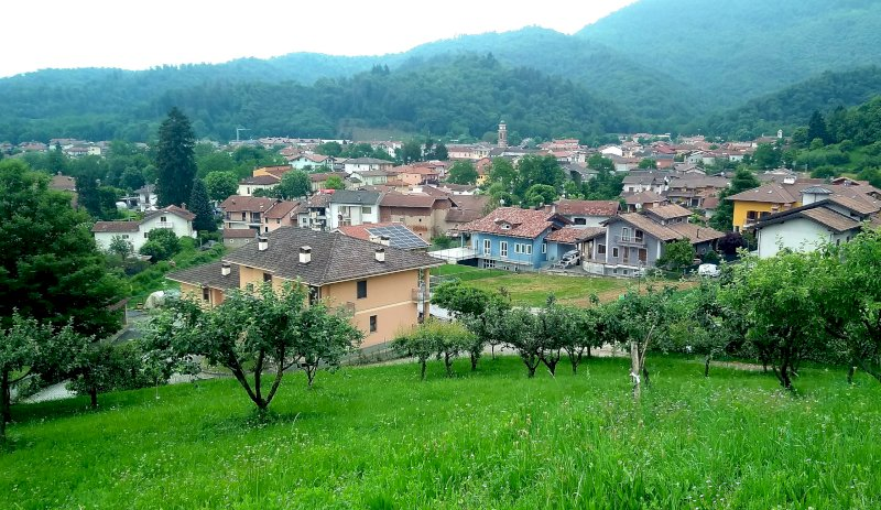 Con un'età media di 40,4 anni Bernezzo è il Comune più giovane del Piemonte