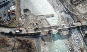 Garessio, iniziati i lavori di abbattimento del ponte della Huvepharma