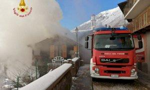 Brucia un'abitazione a Valdieri, intervengono in forze i vigili del fuoco