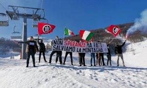 La protesta di CasaPound in alta quota: ''Non Speranza ma fatti, salviamo la montagna''