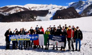 Fratelli d'Italia contro lo stop agli impianti sciistici: ''La montagna merita rispetto''