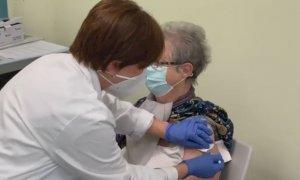 Vaccino anti-Covid, quasi 300mila le richieste dagli over 80 e dal personale scolastico in Piemonte