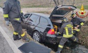 Tarantasca, auto nel fosso lungo la SP 170: ferito il conducente