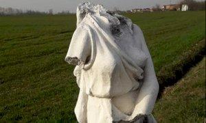 Fossano, statue decapitate in via Santa Lucia. Il Sindaco: ''Vile atto vandalico''